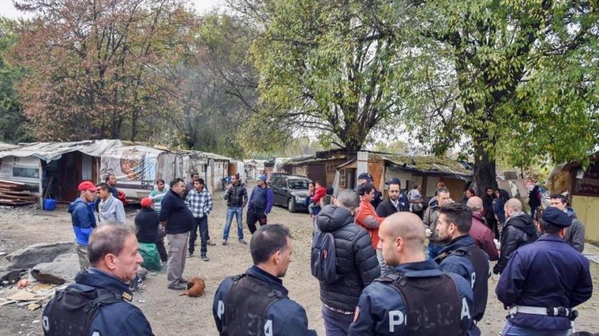 Карательный рейд карабинеров на цыганский табор в Турине